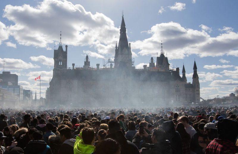 Как Канада встретила первый день легализации