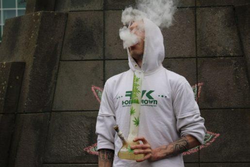 исландия, курение травки,